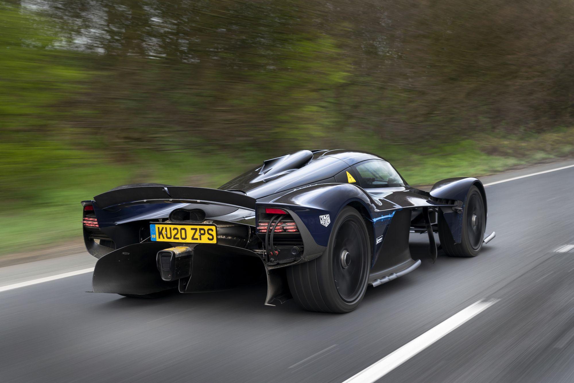 Aston Martin Valkyrie 3.jpg