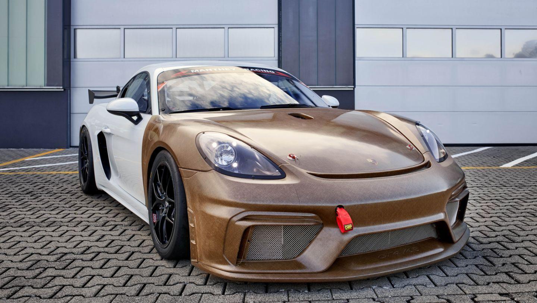Porsche-718-Cayman-GT4-Clubsport-MR-3.jpg