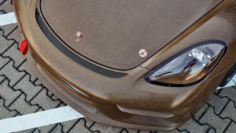 Porsche-718-Cayman-GT4-Clubsport-MR-4.jpg