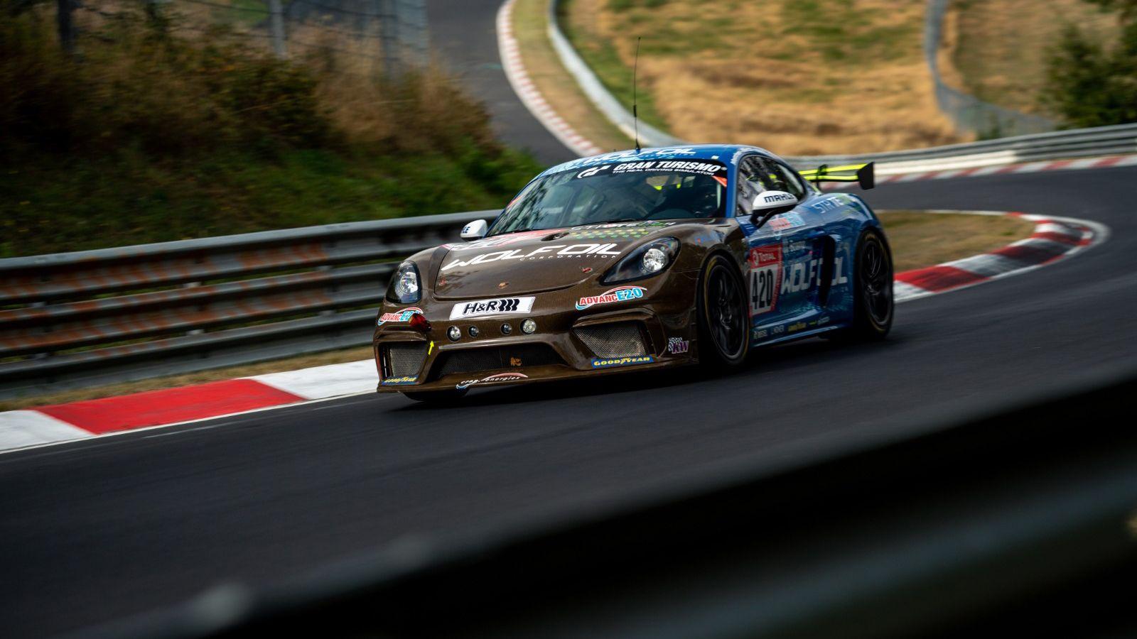 Porsche-718-Cayman-GT4-Clubsport-MR-5.jpg